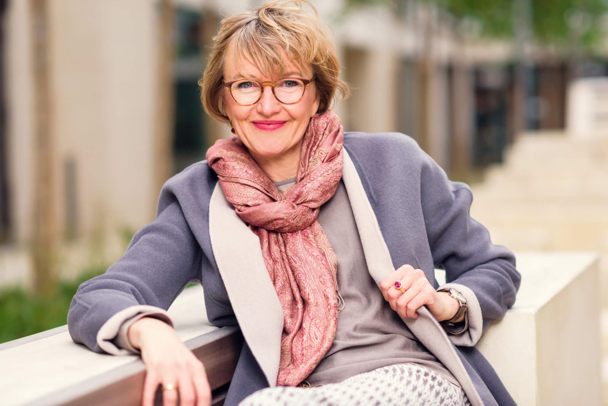 90: Dr. Kerstin Gernig: Wie du erfolgreich den Weg aus dem Job in die Selbstständigkeit schaffst
